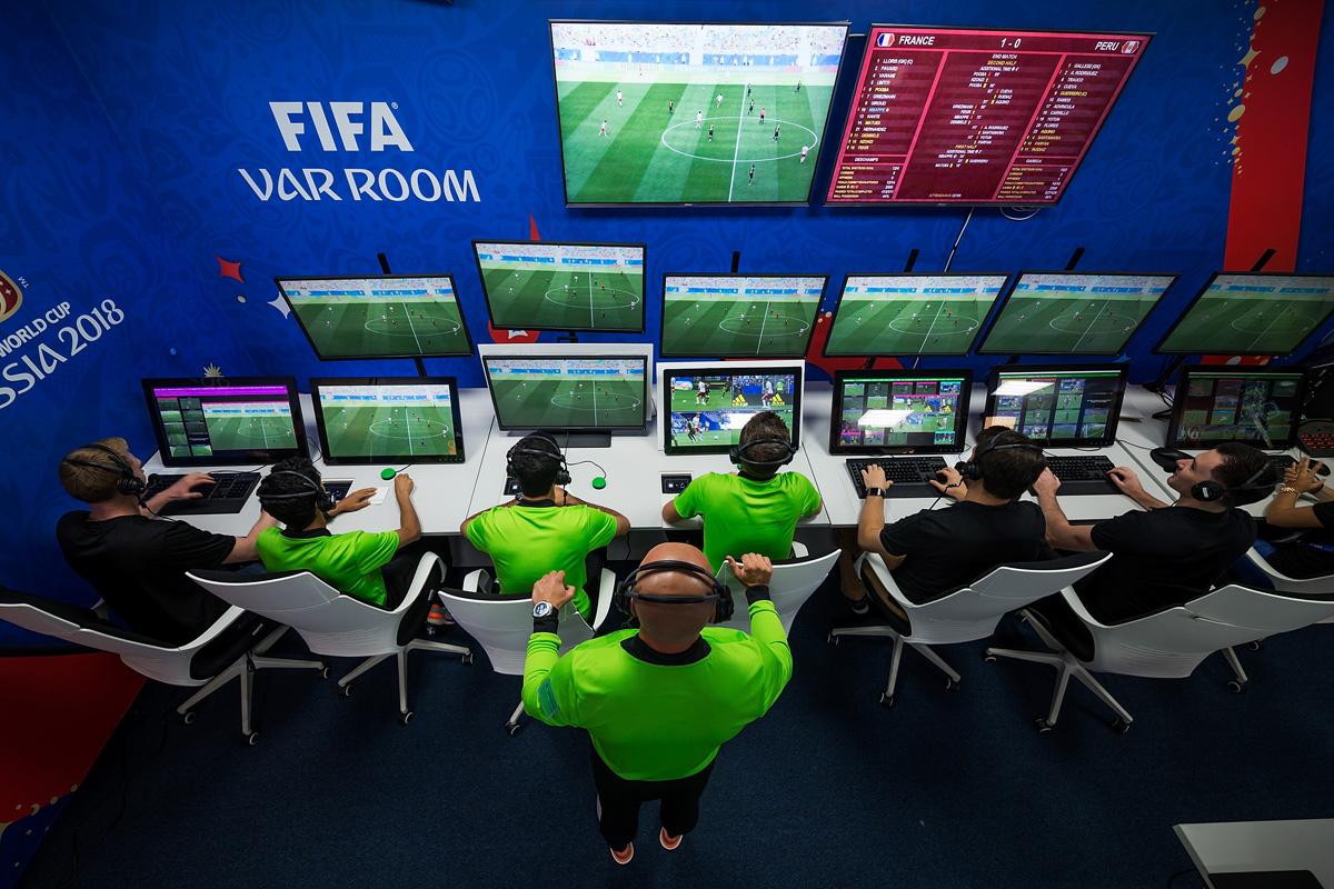 UEFA hərəkətə keçdi, VAR sistemi dəyişəcək