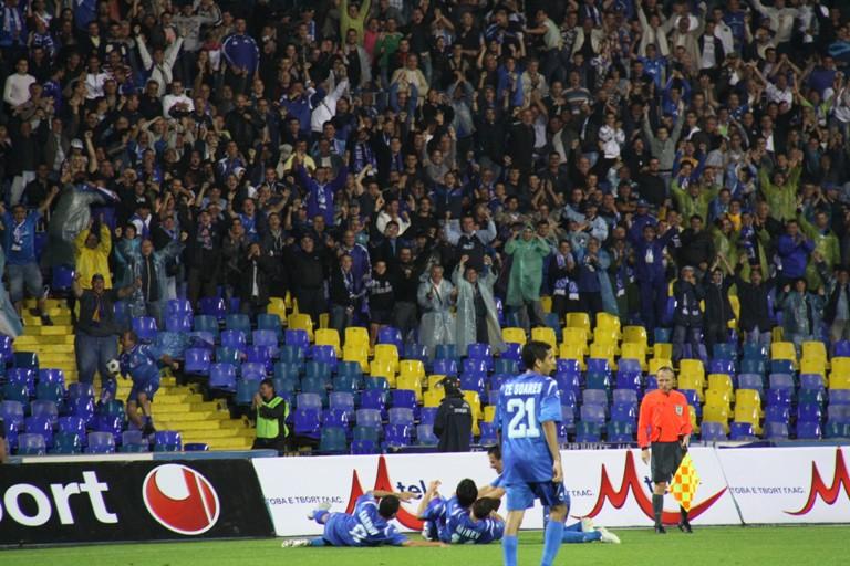 бакы проведет ответный матч третьего квалификационного раунда лиги чемпионов против болгарского левски