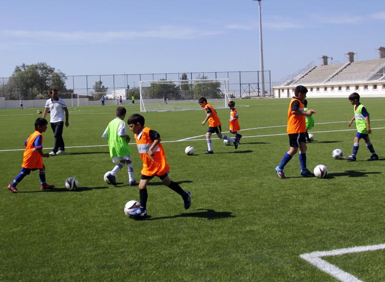 Картинки по запросу sumqayıt uşaq futbol akademiyası
