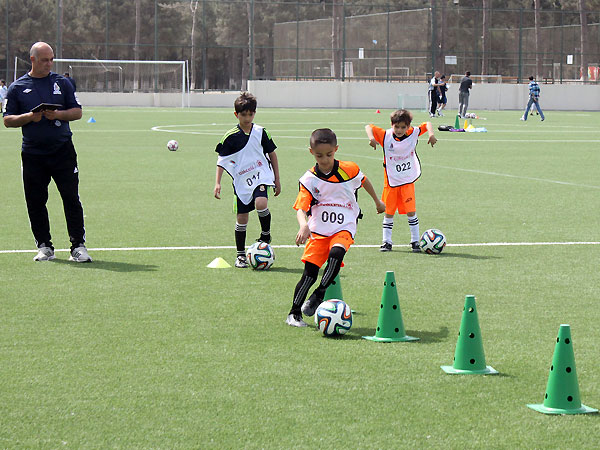 Картинки по запросу Uşaq futbolu