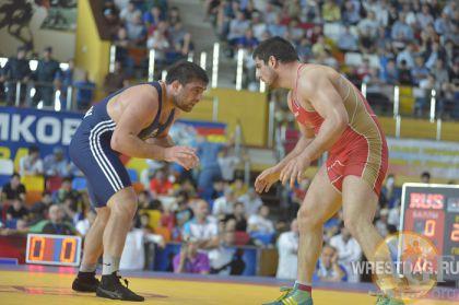 Şərif Şərofov Dağıstanda qızıl medal qazandı