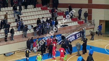 После матча сборной Азербайджана на арене Сехредчи обвалилась трибуна - изображение 1