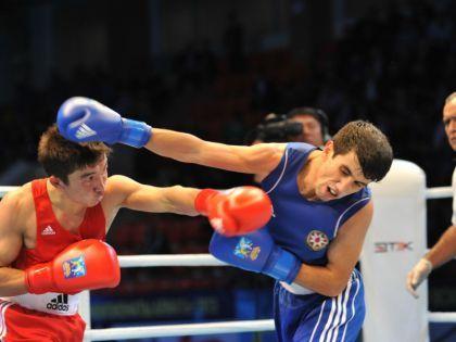 Представляющий Азербайджан боксер вышел вчетвертьфинал