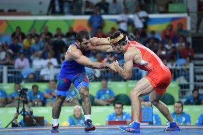Русский борец Аниуар Гедуев вышел вфинал олимпийского турнира