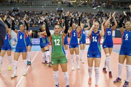 Президент Ильхам Алиев наблюдал заигрой сборной Азербайджана поволейболу