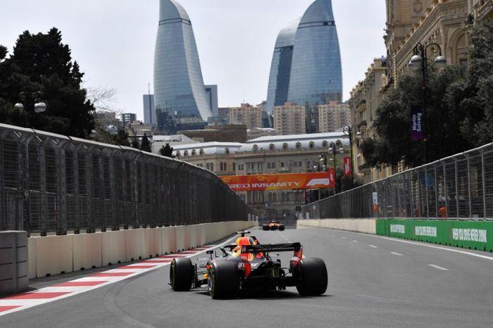 Произошла первая авария наГран-при Азербайджана «Формула 1»